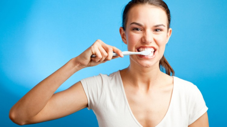 Како правилно да се чистат забите?